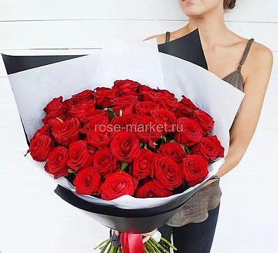 Букет 51 красная роза (Рэд Наоми)