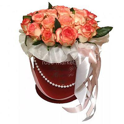 25 роз Джумилия в коробке