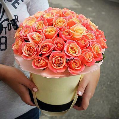 51 оранжевая роза в коробке